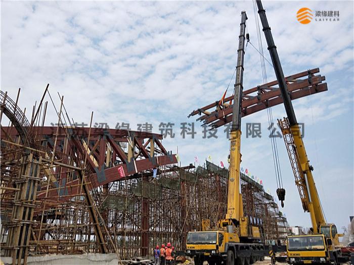 超大胶合木桥梁工程施工进展